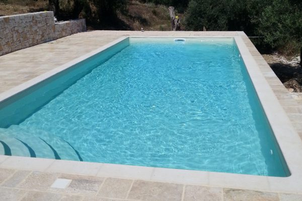 liner pool with corner stairway